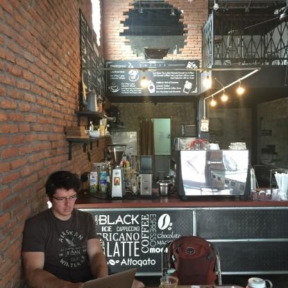 cafe in seminyak, bali